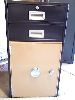 Diebold 2 Drawer Bank Teller File Cabinet Safe w/combination lock and key