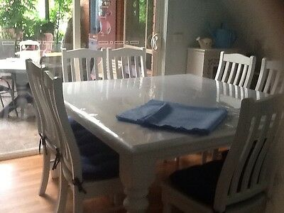 White 9 Piece Dining table And Chairs. Solid Wood. Excellent Condition.