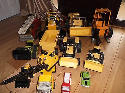 Collection of old Tonka Toys mostly 1970s pressed steel