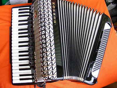 Hohner Atlantic IV de Luxe, full-size Piano Accordion, serviced, y.1978, 4 reeds