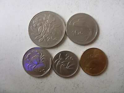 1  Lot Of 5 Malta Coins 1-25 Cents   (2    Type   ) 1991-2004   Rare!!!!
