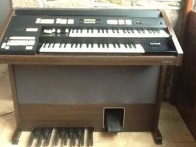 Hammond EX 800E Electric organ.