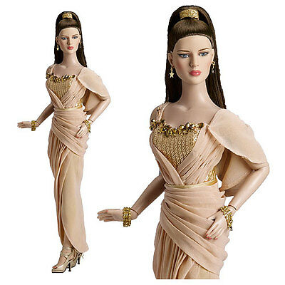 """Tonner Doll ~ GOLDEN PRINCESS  16"""" Doll ~ Diana Prince Collection ~ NRFB"""