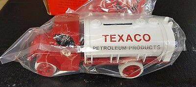 Texaco #2 1926 Bull Dog Mack Tanker Truck Diecast Bank Collector Series 1985