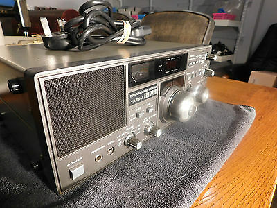 Yaesu FRG-7700 Communications Receiver Working With Mains
