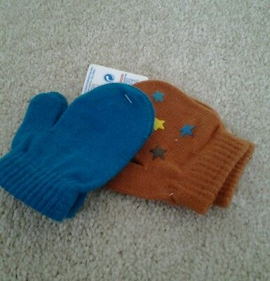 BNWT 2 pairs of baby/toddler winter mittens one pair with rubber pattern