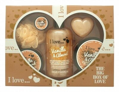 I Love... A Big Box Of Love Vanilla And Almond Gift Set 500Ml Bubble Bath + 100M