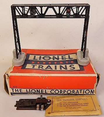 Lionel #450 Post-War Operating Signal Bridge-Fair In Orig Box!