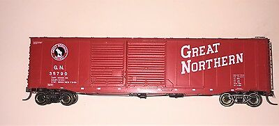Used Ho Scale Great Northern 'red' boxcar  Road Number 35790