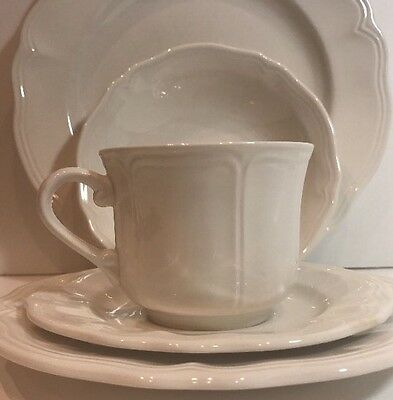 Sears Harmony House Federalist White Ironstone 5Pc. Place Setting Scalloped Edge