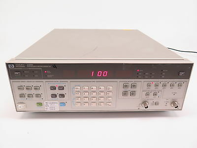 HP 3325B Synthesizer / Function Generator, Opt: 002