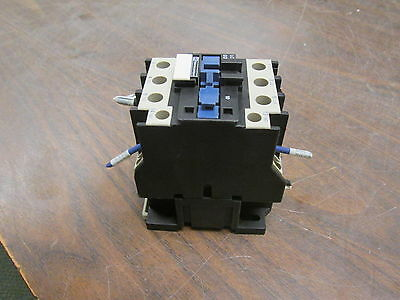 Telemecanique Contactor LC1 D32 10 220-240V Coil 50A 600V Used