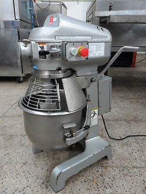 Metcalfe SP200 Commercial 20L Single Phase 240 Volt / Mixer With Attachments