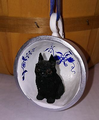 "Victorian Trading Co 2"" Black Brussels Grffon Blue Onion Floral Teacup Ornament"