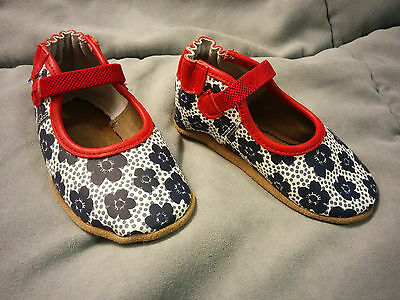 81581d9b33d31 ROBEEZ 12-18 MONTH girl shoes new in box -  24.99