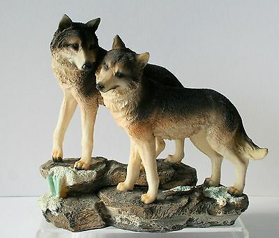 """WOLF Figurine Wolves on Rocks 8"""" x 9"""" Resin NEW IN BOX       HD9864"""