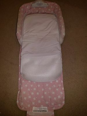Baby Delight Snuggle Nest with music, Pink/White