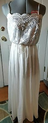 Vintage White Nylon Lace Bust Sweep Nightgown M Medium