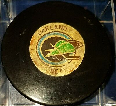Vintage NHL Oakland Seals 1970s Art Ross Converse Game Puck  CCM RUBBER CREST