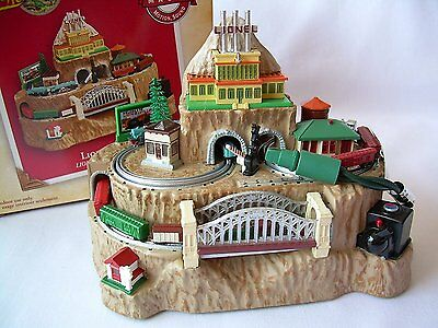 MIB 2004 Hallmark Ornament Lionelville Lionel Legendary Trains