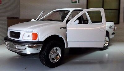 1:24 Scale Welly 1998 Ford F-150 F150 White 4x4 Flareside Supercab Pickup Model