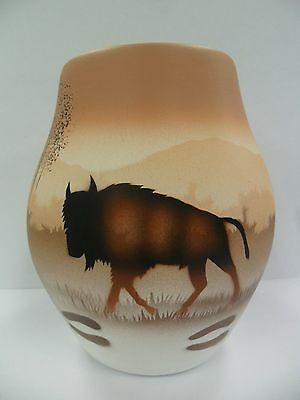 Navajo Handpainted Pottery (Cedar Mesa-Buffalo Tracks #64021) w/COA Made in USA