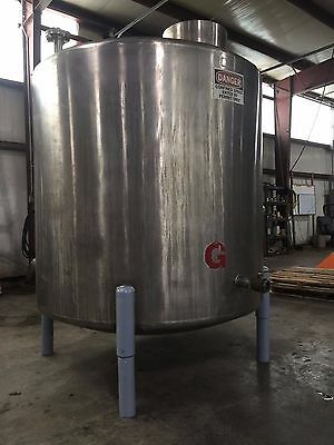 900 Gallon Vertical 304 Stainless Steel Tank