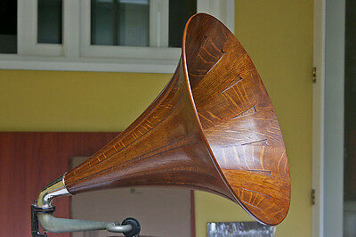 Reproduction Phonograph Gramophone Quarter Oak Wood Horn Victor Talking Machine