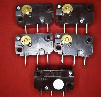 Quality Microswitch 250Vac/5A Made By Cherry No/nc Contacts No Lever Pack Of 5
