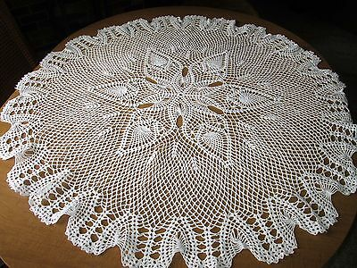 """TABLECLOTH TOPPER - 44"""" Crochet Pineapples White Handmade & AWESOME!"""