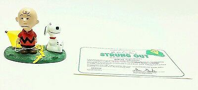 """NM 1993 Danbury Mint Peanuts Figurine Charlie Brown and Snoopy """"Strung Out"""""""