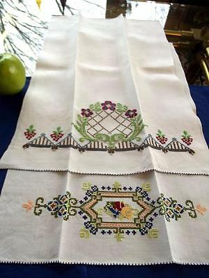 2 Vintage 1940s Chinese Cross Stitch Embroidered Bath Guest Hand Show Towels EC