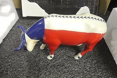 2002 COW PARADE MOOOOVING FLAG OF TEXAS COW FIGURINE with BOX AND TAG