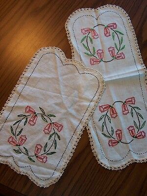 Vintage Ecru Linen Hand Crochet & Embroidered 2 Piece Floral Doily Set -