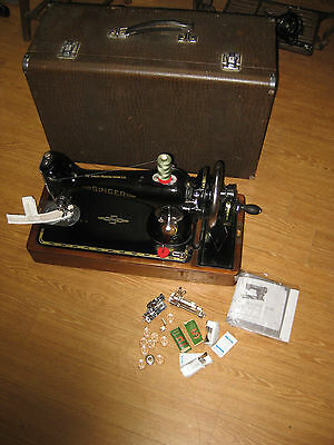 Cast Iron Singer 201 Hand Sewing Machine With Wooden Carry Case.