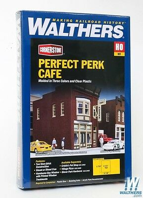 Perfect Perk Cafe HO Building Kit - Walthers Cornerstone #933-3468