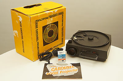 Kodak Carousel 600H Slide Projector with lens and extra bulb