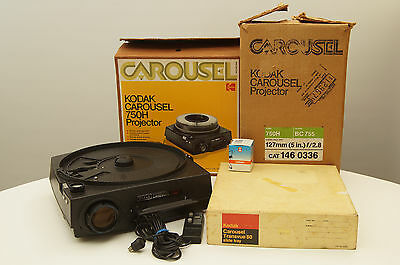 Kodak Carousel 750H slide projector with remote and extra bulb