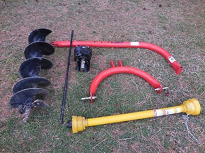 Tractor Supply 3 Point Hitch Post Hole Digger with 12 Inch Auger Excellent Cond