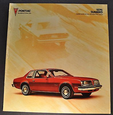 1976 Pontiac Sunbird Sales Brochure Folder Nice Original 76