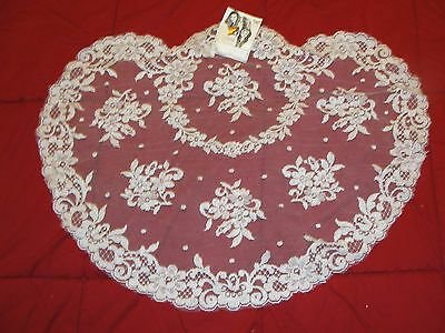 NWT - Vintage - Lace Mantilla Veil/Scarf - Made in Spain - White Floral - Cloria