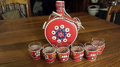 Vintage Canteen Style Leather Covered Bottle With  6 Matching Shot Glasses Red
