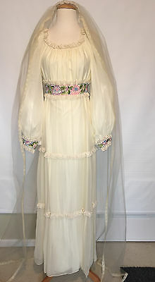 Vintage Montaldos Long Boho Ivory Wedding Dress + Veil