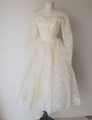 Vintage 1950s  Lace and Tulle Tea Length Circle Skirt  Wedding Dress XS Size 0