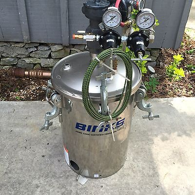Binks 5 Gallon Paint Pot - Stainless - Used