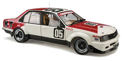 Classic Carlectables 1/18 Holden VC Commodore #05 Sandown 400 Winner (1980) - Pe