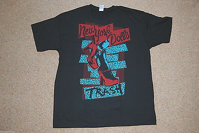 """NEW AND OFFICIAL NEW YORK DOLLS """"Trash"""" BLACK UNISEX T-SHIRT"""