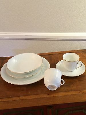 Mikasa 20-piece Gold Trim, White Wedding Band Fine China dinnerware set