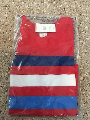 GAP Boys Red V-Neck T-Shirt With Stripes New With Tags Size 4 Years