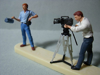 2  Figurines  1/43  Set 64  Le  Cameramen  Et  Son  Assistant  Vroom  Unpainted
